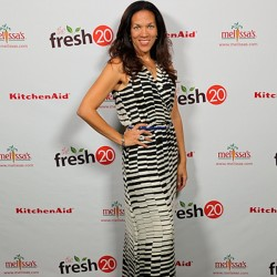 Fresh 20 party Melissa on red carpet