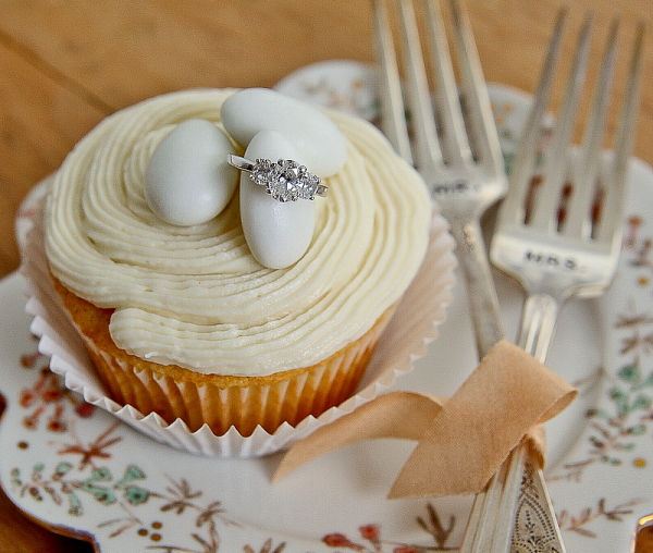 Wedding-ring-cupcake