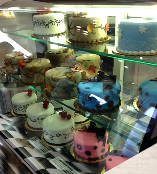 Cake Boss cake display