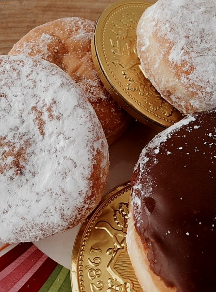 Paczki with gold coins