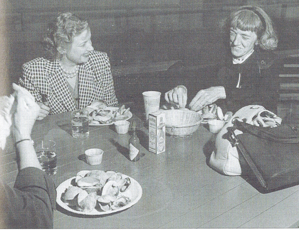 Clem eating clams with readers
