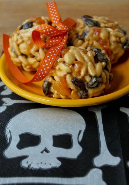 Halloween munch balls