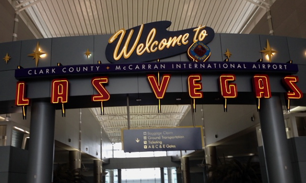 PBO 46 welcome to Las Vegas airport sign