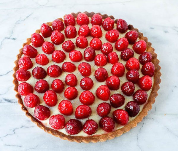 Raspberry tart whole
