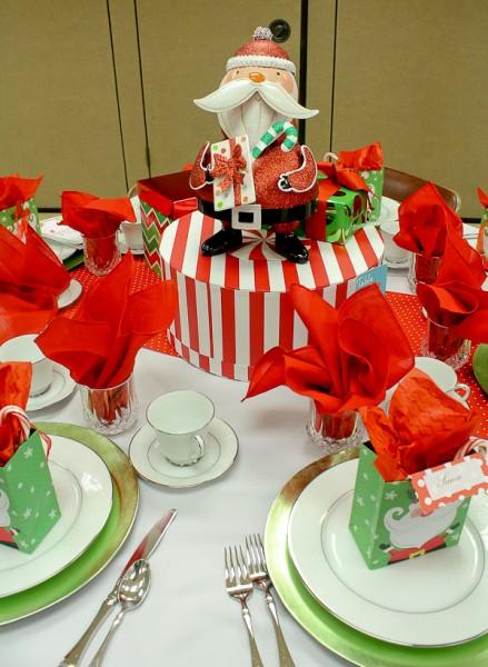 Advent tea Santa centerpiece