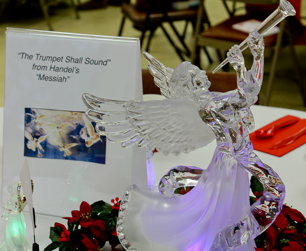 Advent tea angel with trumpet