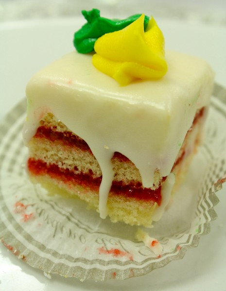 Advent tea cake close up