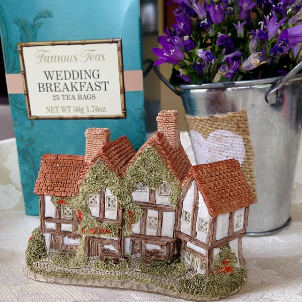 Tea Party cottage, flowers, tea