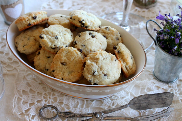 Tea Party scones in bowl