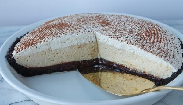 Chocolate pie whole