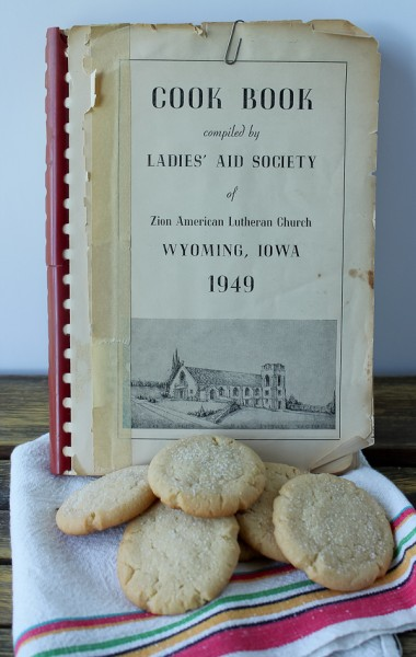 Wyoming 1949 cookbook with cookies