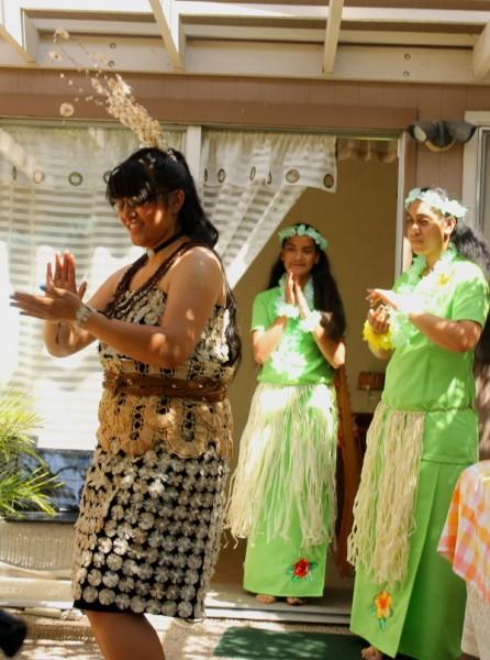 Tonga Sia dancing