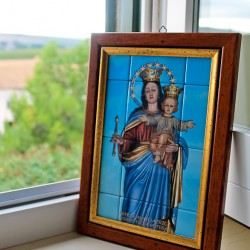 Butera Mary in window