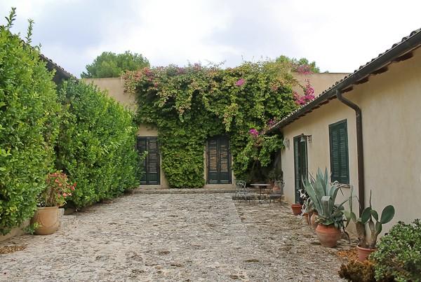 Butera courtyard