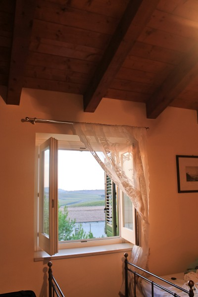Butera room window view with beds