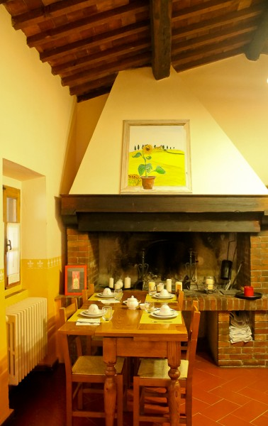 Tuscany B & B kitchen fireplace