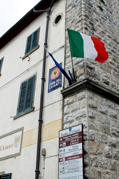 Tuscany Radda bldg with flag
