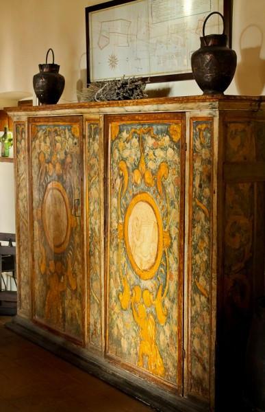 Tuscany fancy hutch
