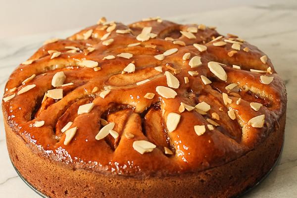 Jelly Glaze Recipe For Cake: Jelly-Glazed Apple Cake