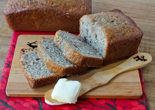 Lingonberry quick bread 3