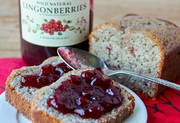 Lingonberry quick bread 4