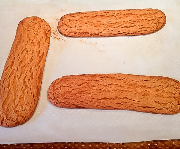 Slice Cookie logs whole baked