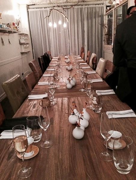 Elizabeth empty table