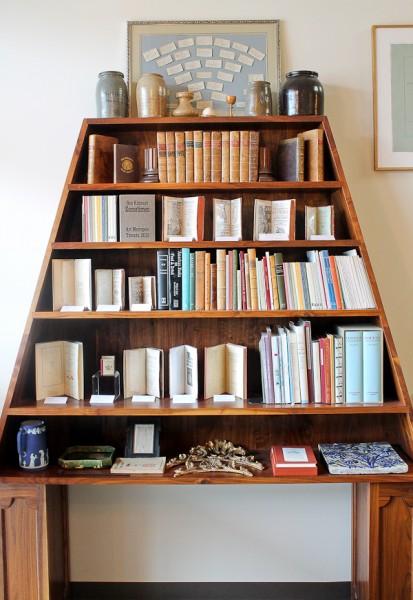 Ben triangle shelf