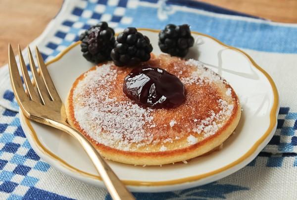 Scottish pancake with blackberries_