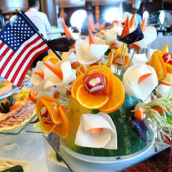 Ship+4th+of+July+brunch+fruit+bouquet