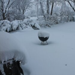 Snow-on-grills-600x473